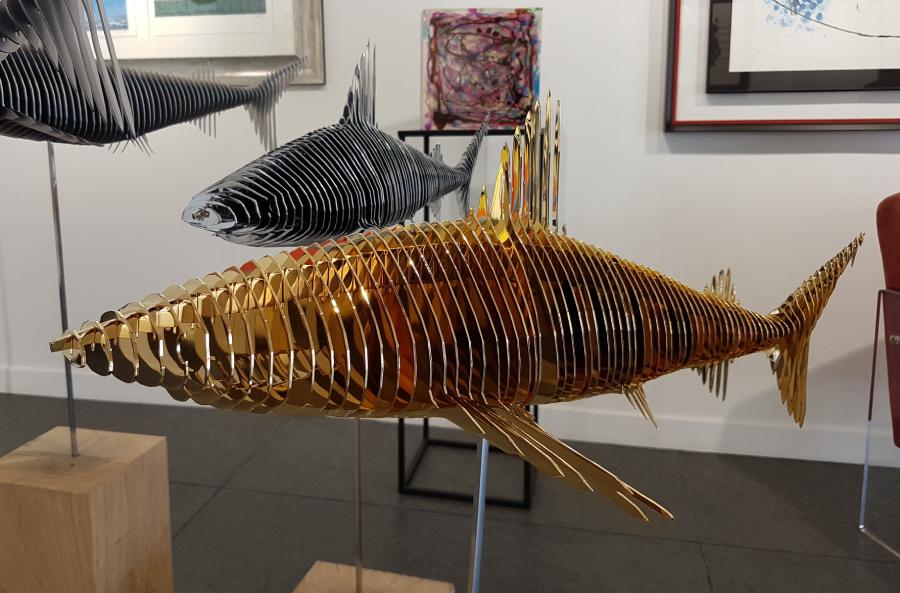 Requin chromé et or